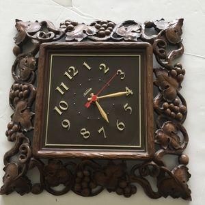 Sunbeam vintage cordless electric wall clock